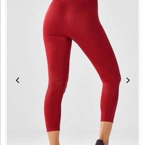 Fabletics Seamless Mid-Rise Capri Leggings Red